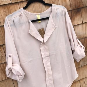 Francesca's | Roll Sleeve Blouse